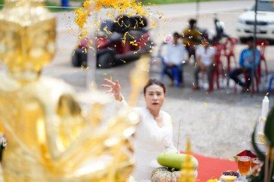 จันทบุรี : ชุดศาลพระพรหม ศาลพระภูมิ ศาลเจ้าที่ ติดกระจกเต็ม กระจกนอกพิเศษอย่างดี