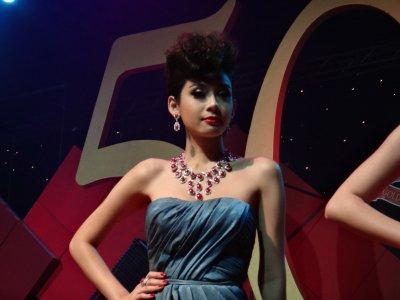 ชุดทับทิมพม่าของ L.S. Jewelry Group ได้รับคัดเลือกเป็นชุดเปิดงาน Bangkok Gems & Jewelry Fair  50th
