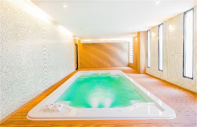 In-door Pool and Fitness