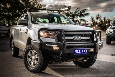 Ford Ranger PX2 A-Frame with Side Steps