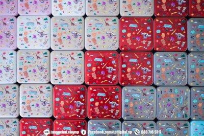 รับสกรีนพาวเวอร์แบงค์สีครีม สีแดง สีชมพู สีฟ้า สีเทา สีขาว สกรีนลาย 2 ด้าน ด้านหน้าและด้านหลัง ลาย อีสานแซบนัว