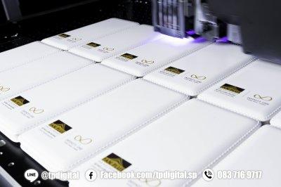 งานสกรีนโลโก้ลงบน Power Bank สกรีนลายตามตำแหน่งที่ต้องการ พิมพ์ด้วยหมึก uv ด้วนระบบสี C M Y K W Cr Primer