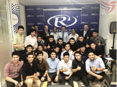 "PDC ยินดีต้อนรับผู้บริหาร เรนโบว์ (Mr.David MC Rorie "" Rexair's CEO assistant "")"