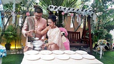 งานวันที่ 12 ส.ค. 61  งานแต่งธีมทองระยิบ พระเช้างานคุณดาว