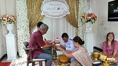 งานวันที่ 17 ส.ค. 61 งานแต่งธีมส้มทองระยิบ พระเช้างานคุณออย
