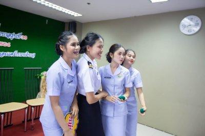 พิธีมอบเข็ม พนักงานผู้ช่วยทางการพยาบาลรุ่นที่ 39 ณ โรงเรียนเดอะแคร์การบริบาล