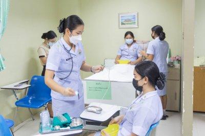 นักเรียนพนักงานผู้ช่วยพยาบาล เดอะแคร์การบริบาลรุ่นที่ 39สอบวัดผลภาคทักษะก่อนออกฝึกภาคปฎิบัติ( The Care Skill Day )