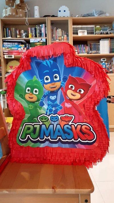 Characters Piñata