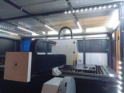 ส่งมอบ fiber laser ยี่ห้อ SENFENG รุ่น SF3015HM และปั้มลมแรงดันสูง 1.6Mpa./20HP  พิกัดสมุทรสาคร