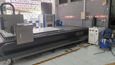 ส่งมอบ fiber laser  รุ่น LT3015S และ ปั้มลมแรงดันสูง 1.6Mpa./20HP  พิกัดปทุมธานี