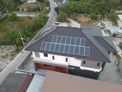 บ้านเดี่ยวขนาดใหญ่ ติดตั้งระบบออนกริดขนาด 10 กิโลวัตต์