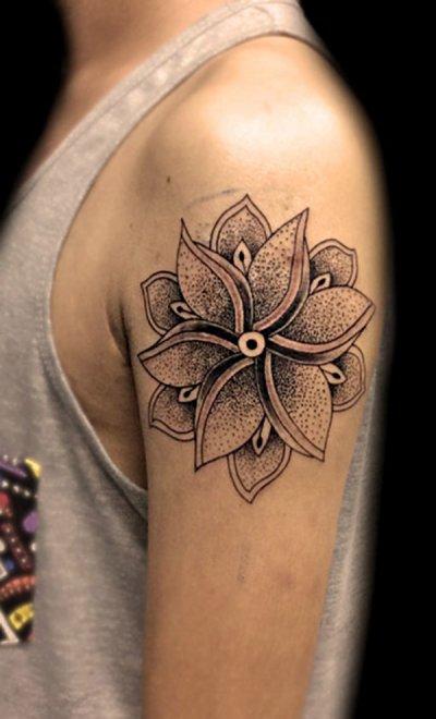 Blackwork Maori Mandala