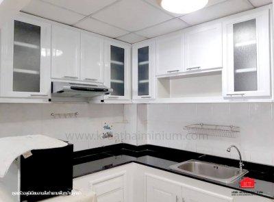 งานออกแบบครัว ฺBuilt In และครัวสำเร็จ ครัวสวยสีขาวสะอาดตา งานสั่งผลิตตามพื้นที่บ้านลูกค้า