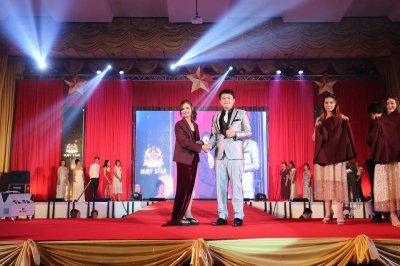 งานเวทีเกียรติยศ To Be Bright Stars 2017 ชุดที่ 3