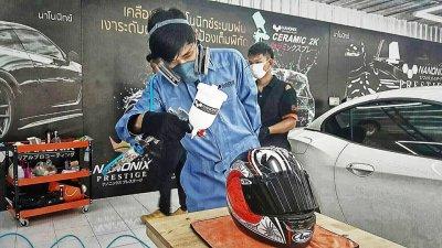 เคลือบแก้วหมวกกันน๊อค Helmet Ceramic Coating with C7 NANONIX