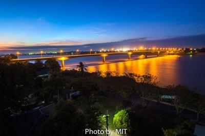 สะพานมิตรภาพไทย-ลาว