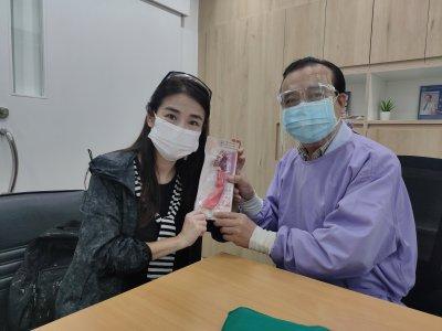 华侨中医院端午节给华人送安康
