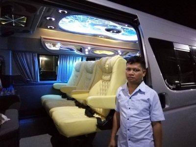 Toyota Commuter Van