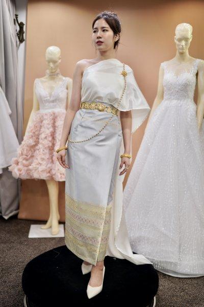 Traditional Thai Bridesmaid dresses