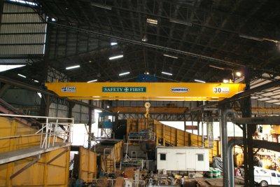 เครนเหนือศีรษะ แบบคานคู่ ยกน้ำหนัก 30 ตัน กว้าง 17 เมตร