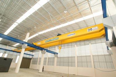 เครนเหนือศีรษะ แบบคานคู่ 10 ตันและ 20 ตัน กว้าง 16 เมตร
