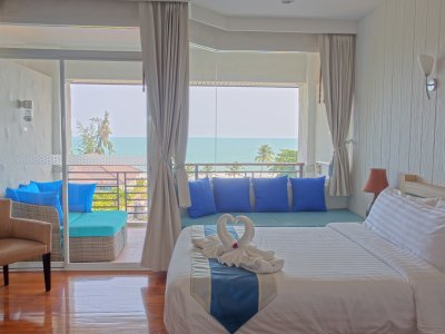 Deluxe Premier Sea View - High Floor