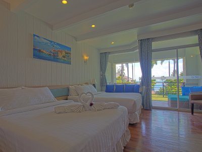 Deluxe Sea View Gardent Suite