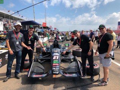 ผลิตภัณฑ์ดูแลรถ 3D ผู้สนับสนุนรถฟอร์มูล่าวันในงาน Toyota Grand Prix of Long Beach จัดขึ้นที่รัฐแคลิฟอร์เนีย