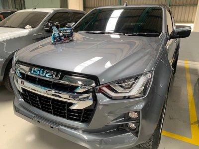 ขอบพระคุณศูนย์รถยนต์ Isuzu ให้บริการเคลือบแก้วกราฟีน ROCKZ 10H Graphene รุ่น V2 Pro และ ROCKZ G Hybrid