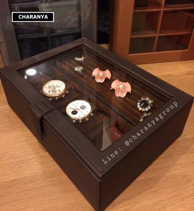 Watches and Rings Tray Storage กล่องนาฬิกา 4 เรือน + ถาดใส่แหวน สีน้ำตาล งานเกรดอย่างดี วัสดุดี พรีเมี่ยม หุ้มหนังและกำมะหยี่ พร้อมหมอนนาฬิกา 2in1 สำหรับคนข้อมือเล็ก  Tel: 093-6699642 Line: @charanyagroup
