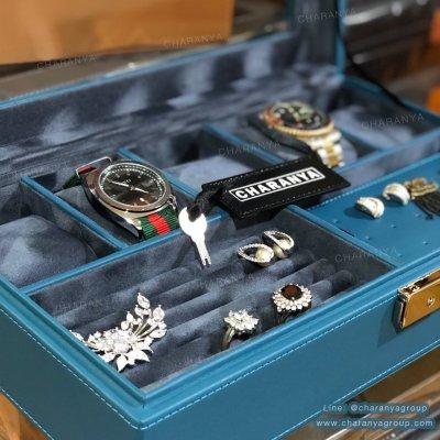 กล่องเครื่องประดับ กล่องนาฬิกา สีฟ้า มีช่องใส่แหวน และช่องใส่เครื่องประดับต่าง ๆ พร้อมกุญแจล็อค หรูหรา งานสวย เนื้องานดี ผลิตด้วยวัสดุเกรดดี เนื้องานสวย watch and jewelry Storage