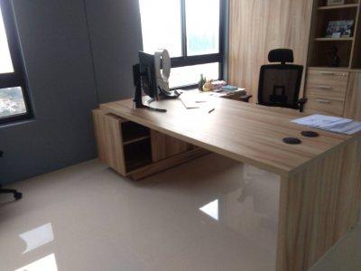 ชุดห้องทำงานโต๊ะผิวลายไม้