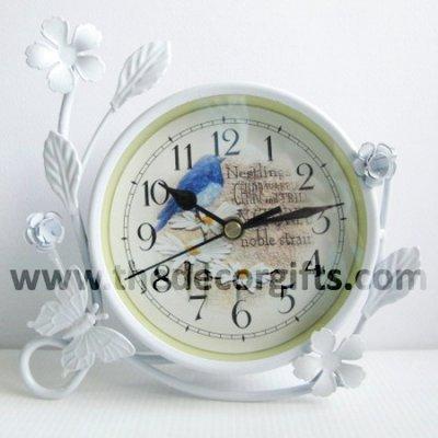 นาฬิกาโลหะสไตล์วินเทจ
