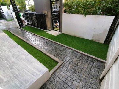หญ้าเทียมและแผ่นพื้น