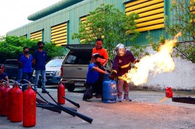 การฝึกอบรมหลักสูตรดับเพลิงขั้นต้นและซ้อมอพยพหนีไฟประจำปี 2020