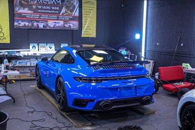 ขัดสีรถ Porsche 911 (992) Carrera 4s ด้วยเครื่องขัดสีรถ Shine Mate รุ่น EX605