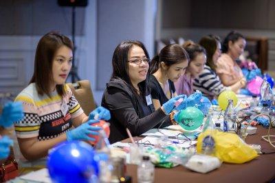 อบรมสักคิ้วสีฝุ่น&สักปาก โดย Candy Academy ประเทศเวียดนาม