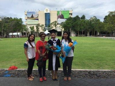 บัณฑิตที่สำเร็จการศึกษา 2558