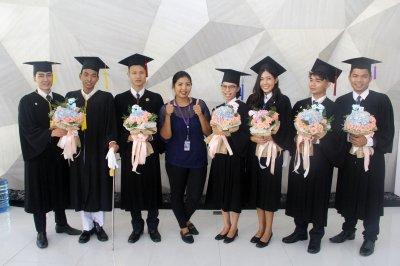 บัณฑิตที่สำเร็จการศึกษา 2559