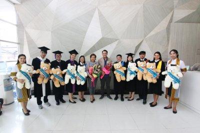 บัณฑิตที่สำเร็จการศึกษา ปีการศึกษา 2561 จำนวน 17 คน