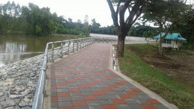 โครงการก่อสร้างเขื่อนป้องกันตลิ่ง แม่น้ำชี จังหวัดขอนแก่น