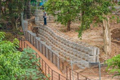 สวนสัตว์เปิดเขาเขียว (13.214936, 101.056572)