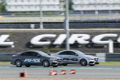 เมอร์เซเดส-เบนซ์ แรงรับท้ายปีด้วยการเปิดตัวรถยนต์ใหม่ 3 รุ่น พร้อมจัดการทดสอบทัพเมอร์เซเดส-เอเอ็มจี แบบครบตระกูลเป็นครั้งแรก ในกิจกรรม Mercedes-AMG Driving Experience  2018 ณ สนามช้าง อินเตอร์เนชั่นแนล เซอร์กิต