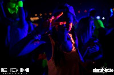งานปาร์ตี้บนเรือ EDM BOAT PARTY