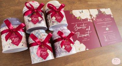 Metal box floral design - กล่องเหล็กฝาโค้ง