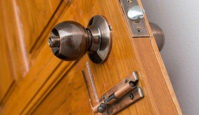 7 ขั้นตอน เทคนิคติดตั้งลูกบิดประตูแบบง่ายๆ