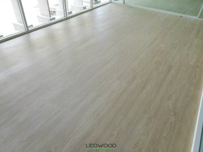 ไม้พื้น SPC ทนชื้น กันปลวก Aqua สี White Oak
