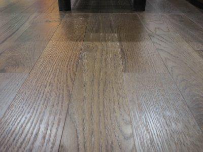 ไม้พื้นเอ็นจิเนียร์ สี Golden Oak