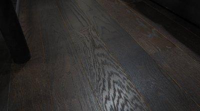 ไม้พื้นเอ็นจิเนียร์ สี Walnut Oak