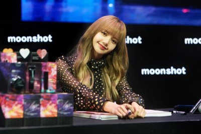 Moonshot x LISA FAN MEETING IN BKK 2019 ( 31 สิงหาคม 62)